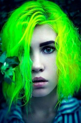 Tintes de Neon y Propuestas de Colores Verde Electrico