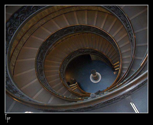 Escalinata en el Vaticano