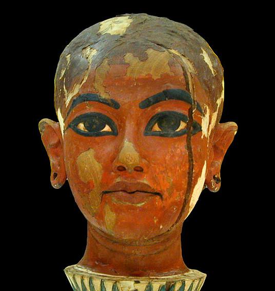 Tête_de_Toutânkhamon_enfant_(musée_du_Caire_Egypte)