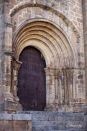 Placencia cat vieja puerta