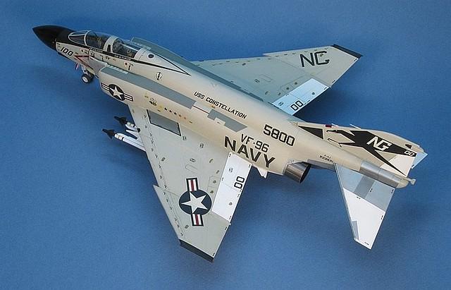 F-4J_ShowTime-00