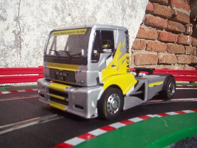 camión Fly GB track TR 1400 MAN