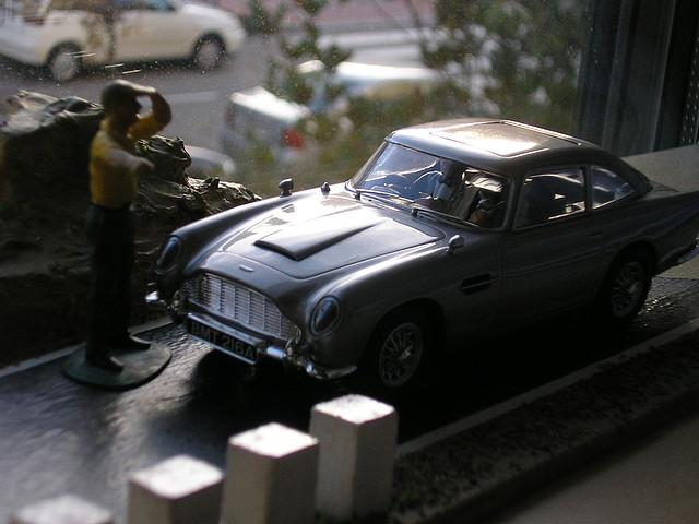 Aston Martin DB5 J.Bond (II)