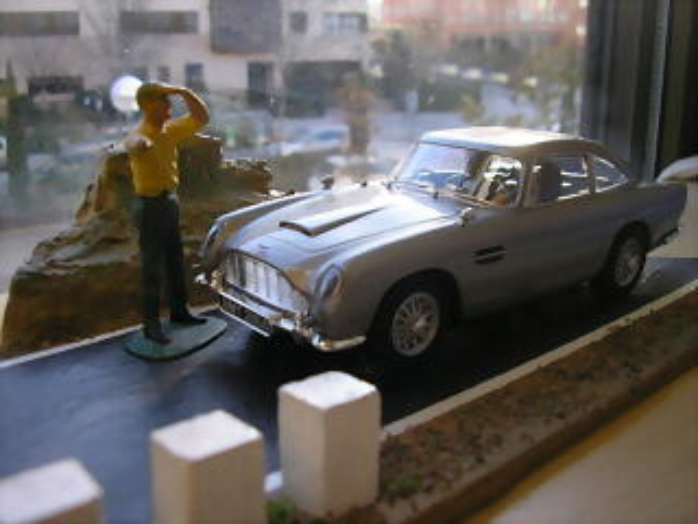 Aston martin DB5 J.Bond