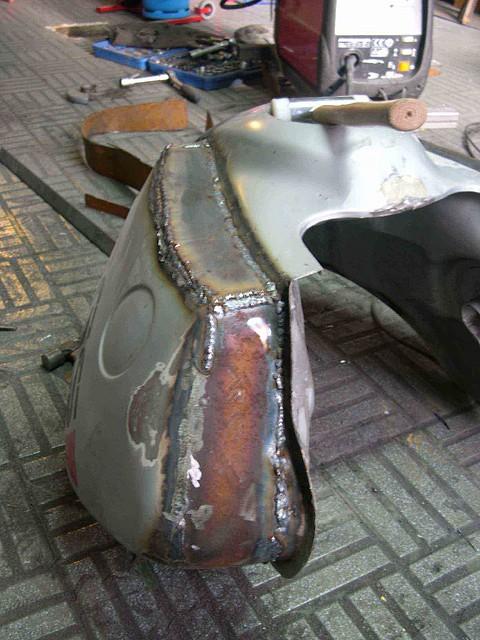 2010-04-18_Depósito BMW 005