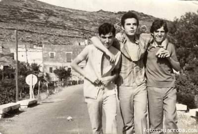 Tres amigos por el Puente de Gérgal años 60