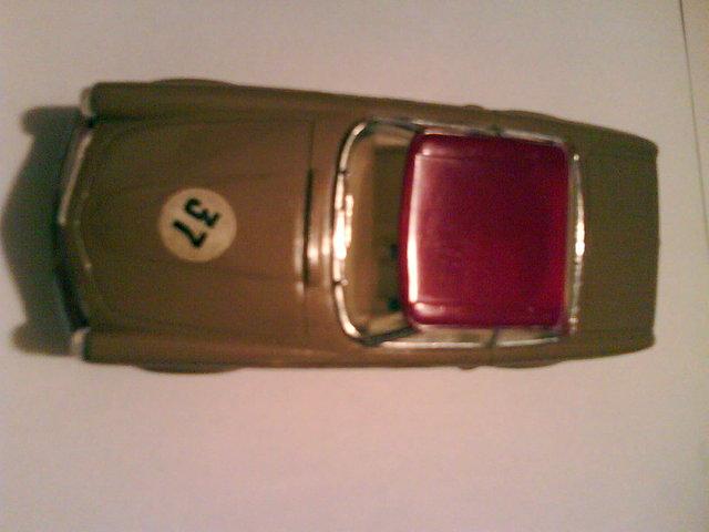 Mercedes EXIN Beige 2