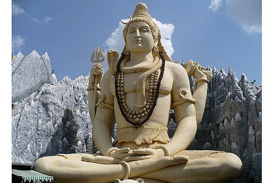 estatua de Shiva