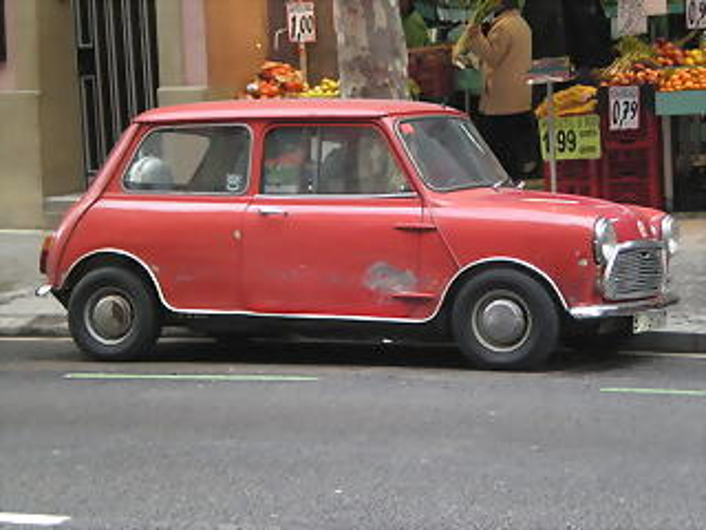 Vehiculos antiguos eb la calle 24 Febrero 2011 045