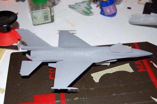 F16 con imprimaciòn