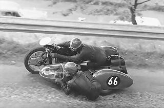 Sidecar Racing 66