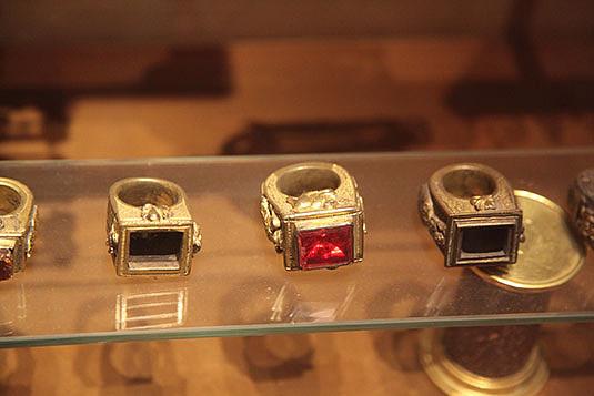 sml-vatican-museum-papal-rings