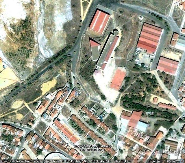Instituto y cerro de los Baños.