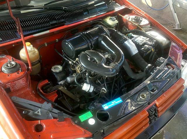 Foto motor coche 01