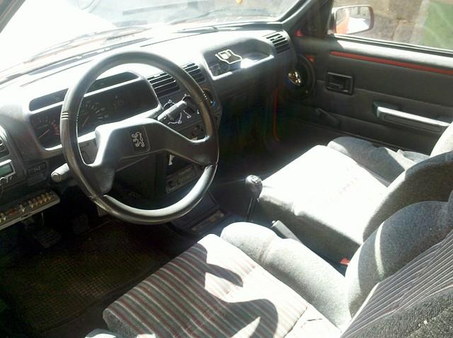 Foto interior coche 01