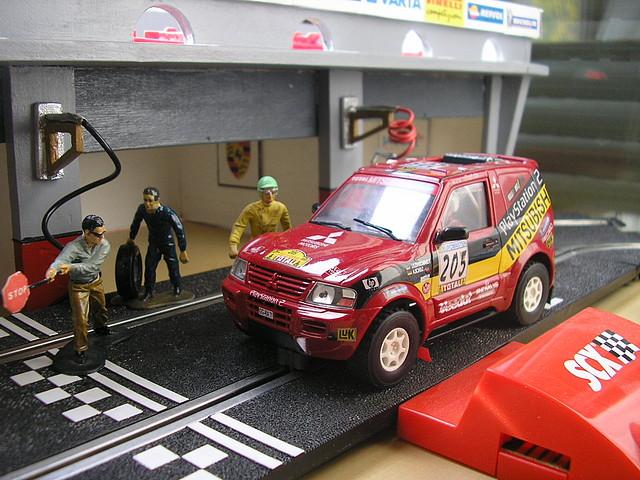 Mitsubishi Pajero Rojo