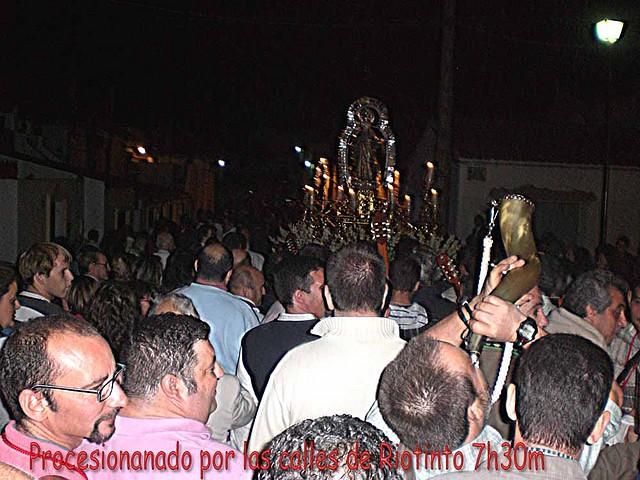 06 Procesionando por las calles de  Riotinto