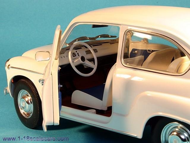 Fiat_600D_interior