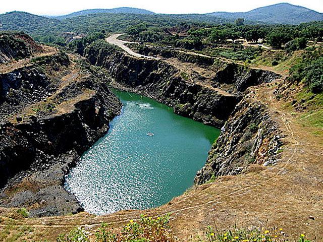 mina Teuler, entre Cala y Santa Olalla de Cala