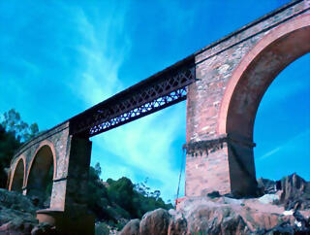 Puente de la mina de la Concepción.