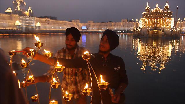diwali-lights-india-11152012-web-1024x576